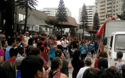 Lauro Michels já comunicou que não vai honrar aumento, servidores protestam em Diadema